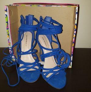 Trendy Blue heels